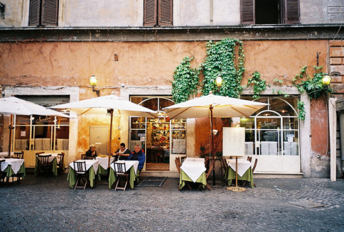 theglitterguide:   Cafe in Rome  | by © saviorjosh | via treasureboxes  I've eaten there!