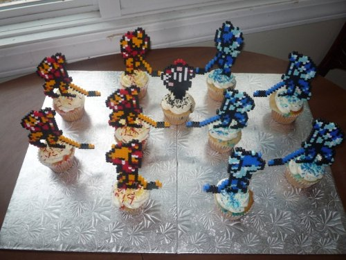 Blades of Steel Cupcakes by *ImmortalTanuki