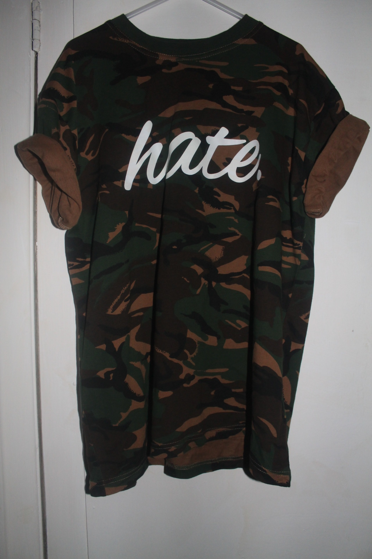 selling this, never been worn size large £10