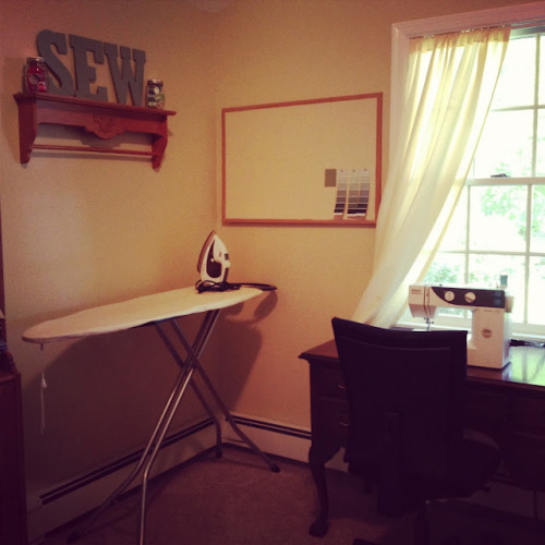 House tour day one: my sewing room! (via Lovely At Your Side: House Tour: Sewing Room)