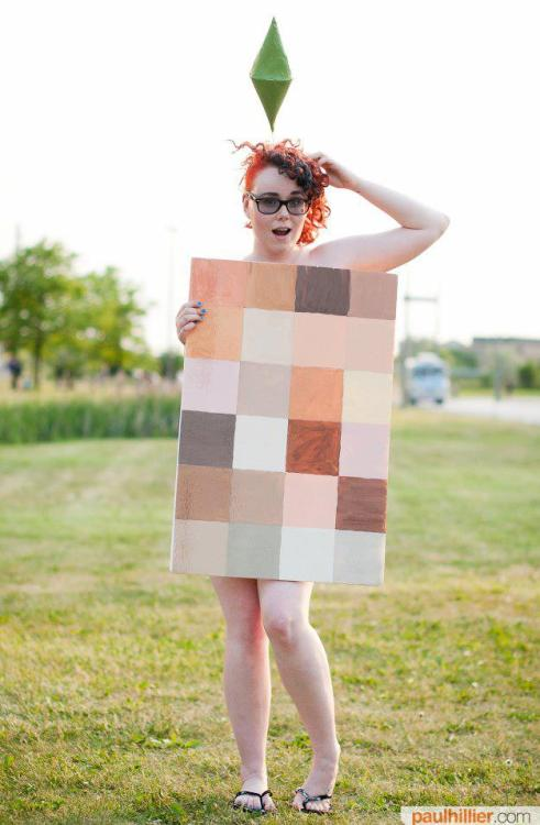 Awesome Cosplay of the Day: Naked Sim by Falseconversations
