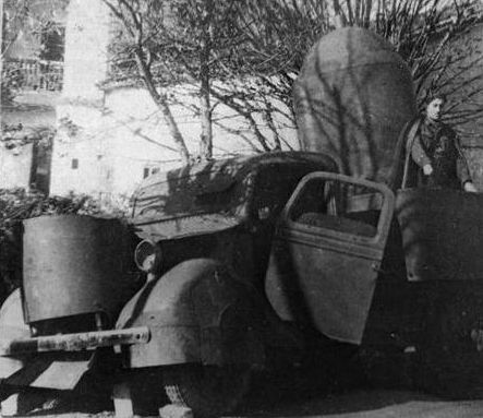 Improvised armored car from the Spanish Civil War, 1936. Shushpanzer!