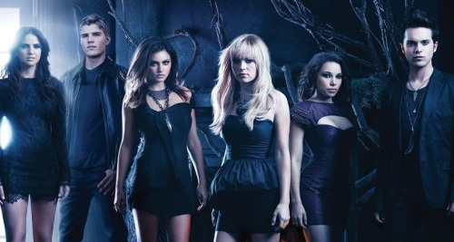 Everybody should watch this serie The Secret Circle