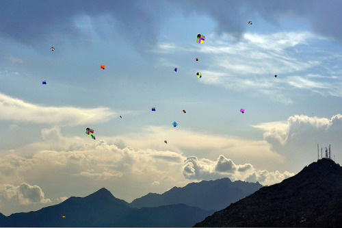 salamalaikum:  Afghanistan by O.Blaise on Flickr. Its Kite time