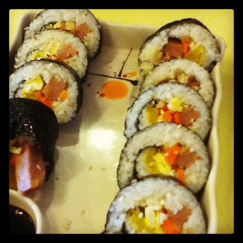 Shaky sushi shot #spam #cheese #roll #yommm #nomnom #yummy #food #favorite (Taken with instagram)