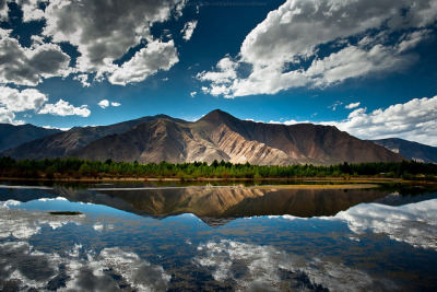escaperealitywithme:  Tibetan landscape by CoolbieRe on Flickr.