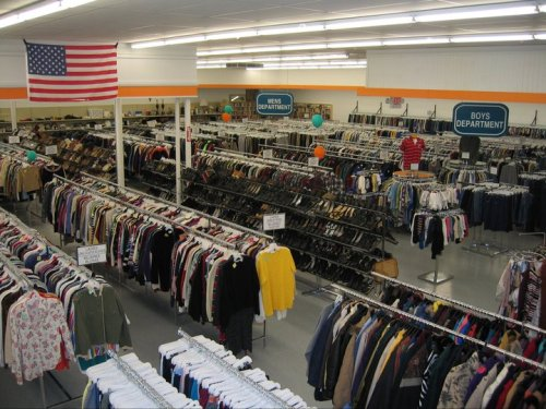 hipstertampa:  Sunshine Thrift Store 4304 South Dale Mabry HighwayTampa, FL 33611813-831-4377 Store hours:Mon – Fri: 9am – 8pmSat: 9am – 7pmSun: 11am – 6pm 2808 34th Street NorthSt. Petersburg, FL 33713727-522-2500 Store hours:Mon – Fri: 9am – 8pmSat: 9am – 7pmSun: 11am – 6pm (Heard good things)