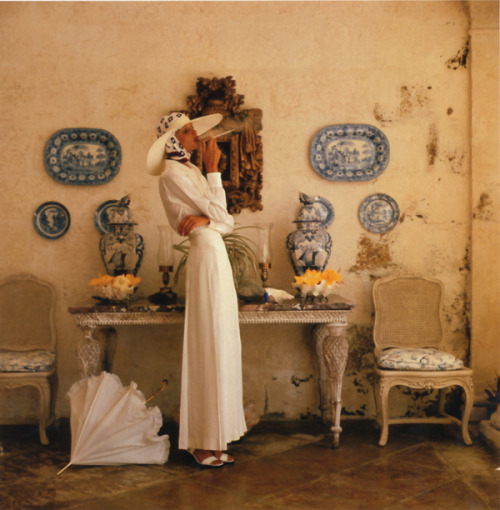 thefullerview:  Appollonia van Ravenstein, photographed by Norman Parkinson for Vogue UK, 1973.