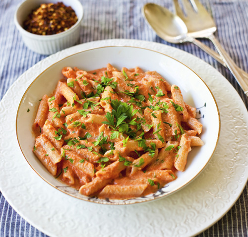 thecraving:  Penne with Creamy Vodka Tomato Sauce