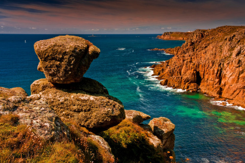 Lands End from Gwennap Head, Cornish Coast. (by Steve Thompson images)