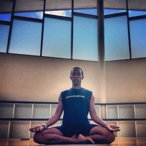 Easy sitting #sukasana #yoga #yogapose #pose #asana #meditation  (Taken with instagram)