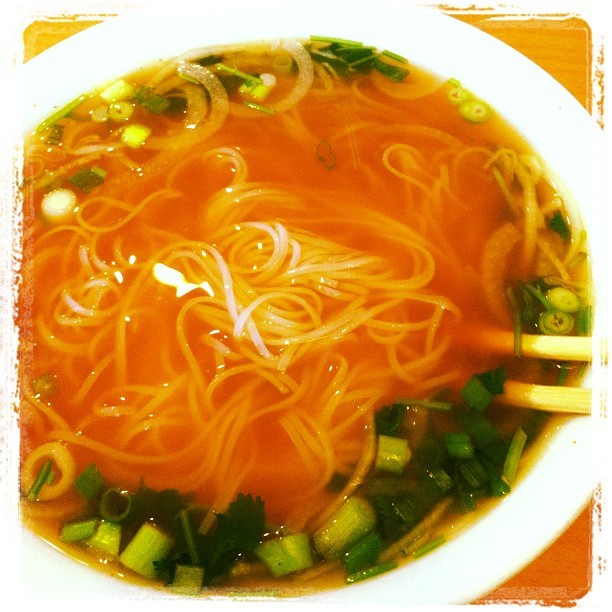 What's better than #pho with #friends? #instagram #foodporn #food #yummy #vietnamese #yum #soup #omnomnom #noms (Taken with instagram)