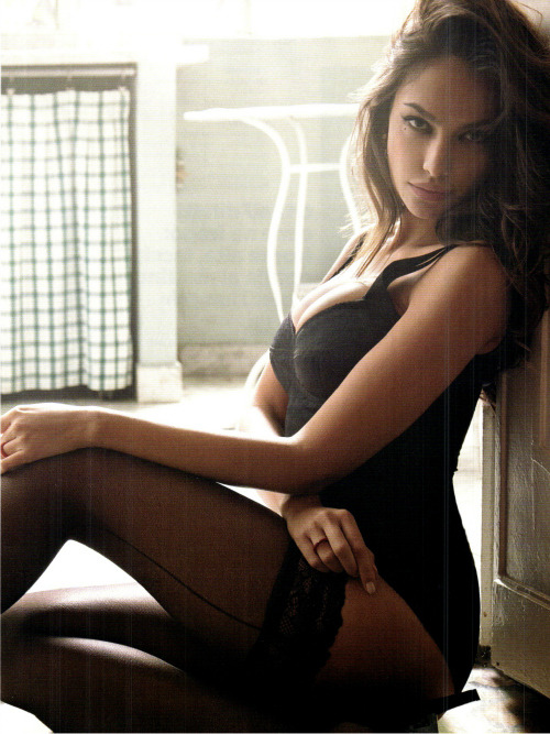 theachinglybeautiful:  Madalina Ghenea