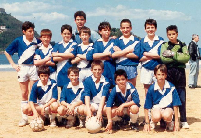 Xabi Alonso(Bottom row,second from the right)