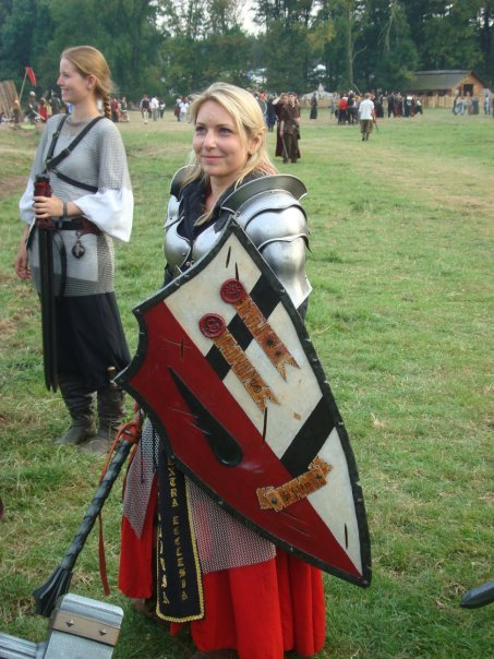 gentilegentry:  I want to larp if it means I get to wear costumes like that. <_<