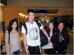 in the airport Lin With fans Sweet heart