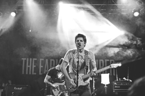 fyeahtorontoshows:  THE EARLY NOVEMBERTHE SWELLERS, YOUNG STATUESTHE OPERA HOUSE, TORONTO / MAY 27TH