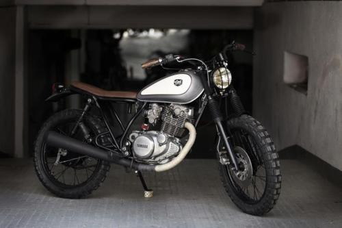 """ATOMICA"" Yamaha SR250 Street Tracker by Cafe Racer Dreams We're about to start our own SR250 custom that will be in a different style to this but there are elements of this bike I really like and will probably use as inspiration. Nice one CRD Like us on FB"