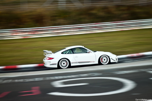 Last song of the night Starring: Porsche 911 GT3 RS 4.0 (by Denniske)