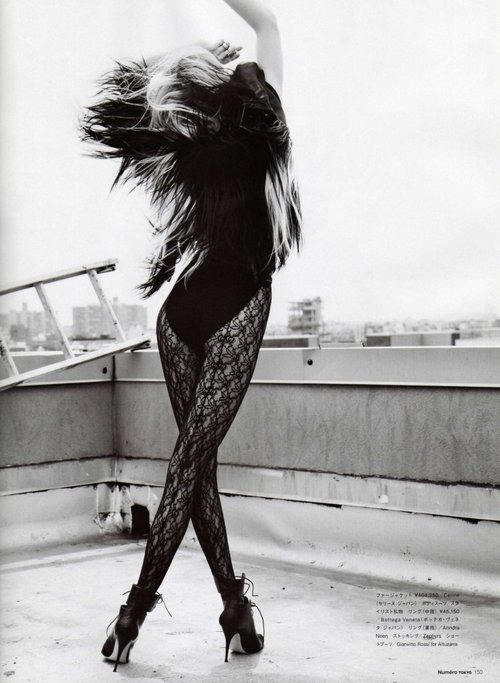 samantha-emma:  Badass,Black and white,Black lace,Bodysuit,Brunette,Fashion,Girl,Style,Lace,Retro,   Superb!  Nice movement! :)