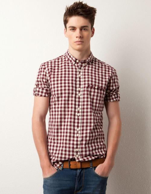 yellowasian:  Joe Collier | Pull & Bear