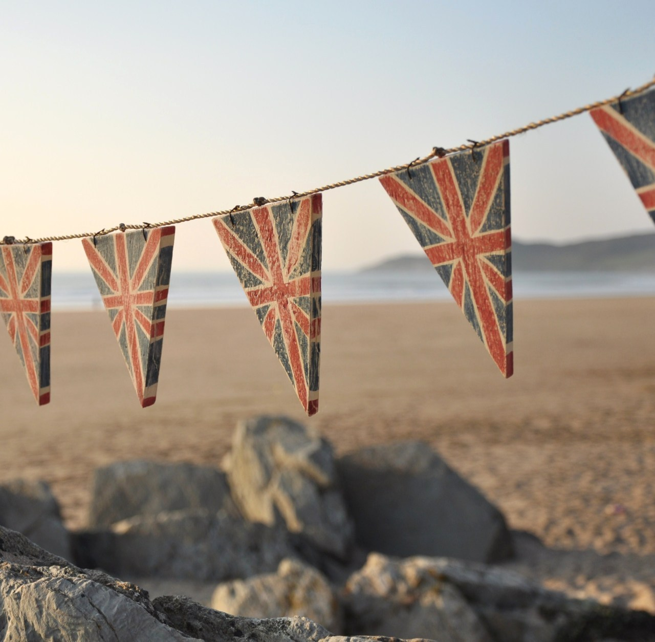 Finally, to end our jubilee weekend, how about some wooden union jack bunting from Gorgeous Gifts…I would also take the beach backdrop please! Photo Credit: Gorgeous Gifts