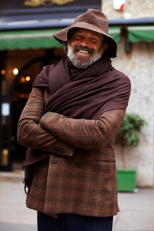 thestylebuff:  Man-shawl, Milano  fish.