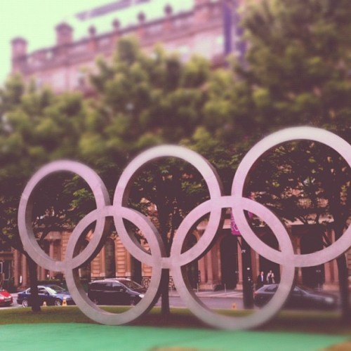 sillystina:  Olympic rings in George Square #glasgow #georgesquare #olympics (Taken with instagram)