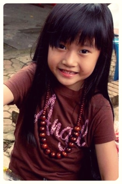 She is my little angel. Namanya Sharon :3