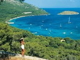 Danielle, I'd love to go to Majorca with you. I was there on vacations a few years ago and I just love it and i want to show it to you. It's perfect for new married couples :) I love you too Sebastian