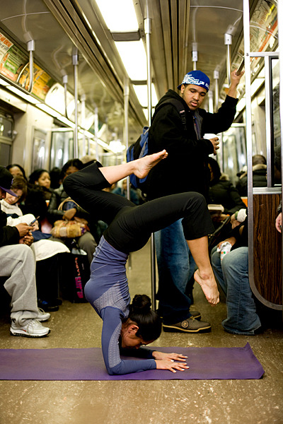 Surreptitious Subway Yoga By Brian Leave a Comment, dailycupofyoga.com [Edi­tor's Note: This is a guest post by Nicole New­man who blogs at Yoga for the Arts]Rush hour ser­vice. No avail­able seats. No acces­si­ble pole or over­head rail. Hello clas­sic sub­way slide-and-stumble.And, it's too crowd­ed to…