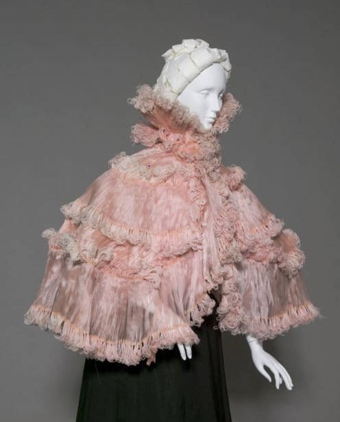 Cape, Robina, Paris, France: ca. 1900, ostrich feather and silk chiffon.