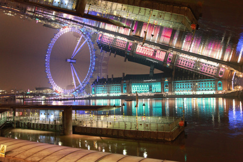 Distortions - London Eye by Calim* on Flickr.