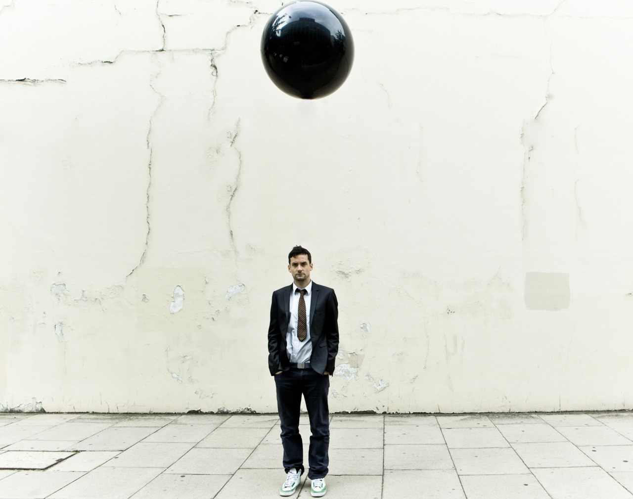 "Over the last couple of years Bonobo has become one of the premier artists on the Ninja Tune imprint and certainly one of the most listened to, with over 16 million plays recorded on LastFm. His combination of superb live shows and studio wizardry means that he is now perfectly placed to push on into a yet bigger league. With ""Black Sands"", Bonobo has made the record to achieve it. Tonight Berliners get to witness Bonobo's acclaimed live set and latest release, with Benji B of BBC 1Xtra pedigree and Oye Records' Delfonic in tow. Ninja Tune Night 