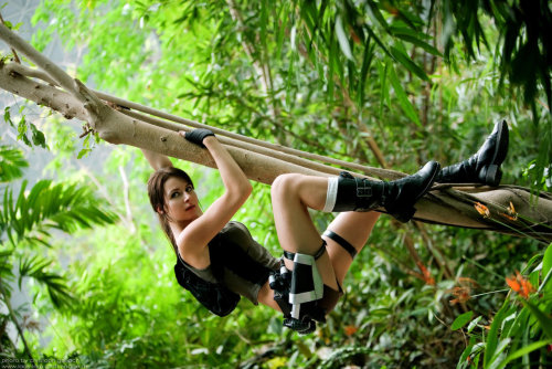Lara Croft in the jungle by ~Lena-Lara