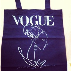 Vogue! #bag #vogue #nederland #fashion #me #style #voguemagazine #instamood #instagram #insta (Taken with instagram)