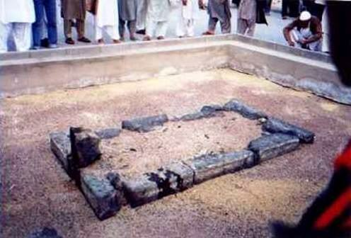 Grave of third caliph Osman. He played an important role in early Islamic history. Great role model for Muslims worldwide.