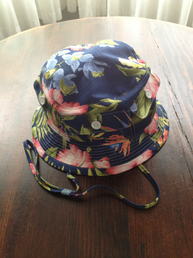 Hawaiian print Bandoleer hat sample..