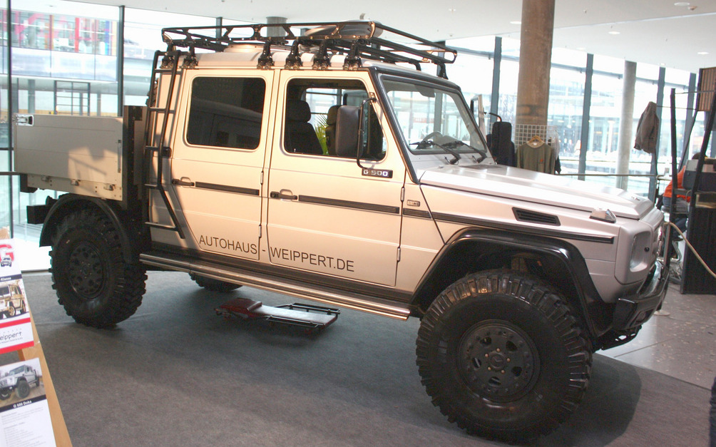 enjoyprogress:  Benz G Wagon modded into a badass overland truck!
