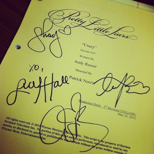 I totally want Shay's handwriting, it's sooooo pretttttty!