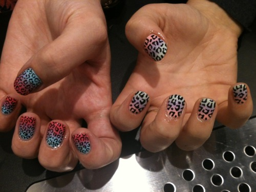 wahnails:&lt;/p&gt;&lt;br /&gt;&lt;br /&gt;&lt;br /&gt;<br /> &lt;p&gt;Fade away with leopard print by WAH girls Hells &amp;amp; Simona. Perfect for summer!!&lt;br /&gt;&lt;br /&gt;&lt;br /&gt;&lt;br /&gt;<br />