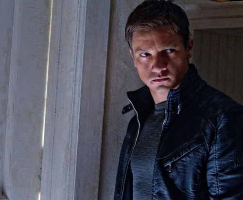 New full-length trailer for The Bourne Legacy: watch now The Bourne Legacy has released a new full-length trailer, shedding a little more light on new leading man Aaron Cross (Jeremy Renner) and what links this film to the rest of the Bourne series…