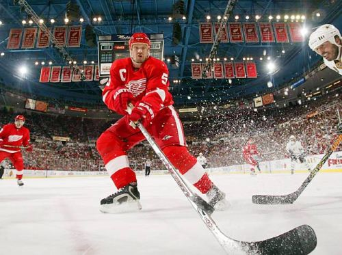 siphotos:  Nicklas Lidstrom announced his retirement on Thursday after playing 20 years (1,564 games) as a member of the Red Wings. The defenseman recorded 1,142 points and won four Stanley Cups. (David E. Klutho/SI) GALLERY:  Nicklas Lidstrom Through The Years