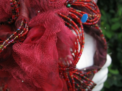 pasttheflowers:  My beading work in progress  What a cool idea.