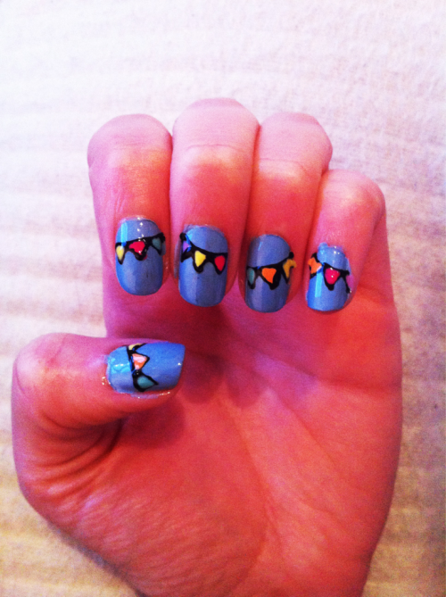 Bunting nails!!! Bring on the Queens jubilee!!!!!