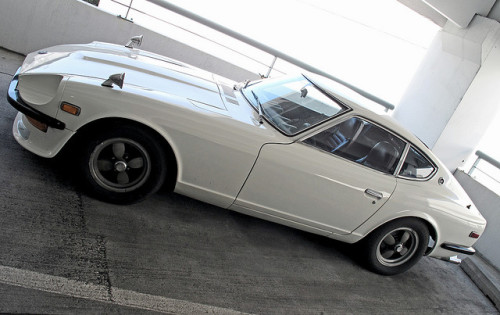 i-drive:  Datsun 240Z by dizzy-eyed on Flickr.