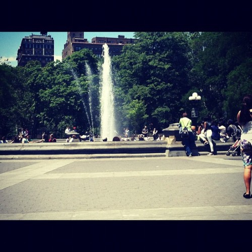 Spending this gorgeous day in the city  (Taken with instagram)