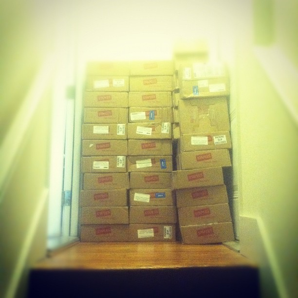 Our neighbors get so many packages (Taken with instagram)