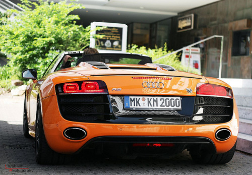 theautobible:  orange. by Lambast Photography on Flickr.
