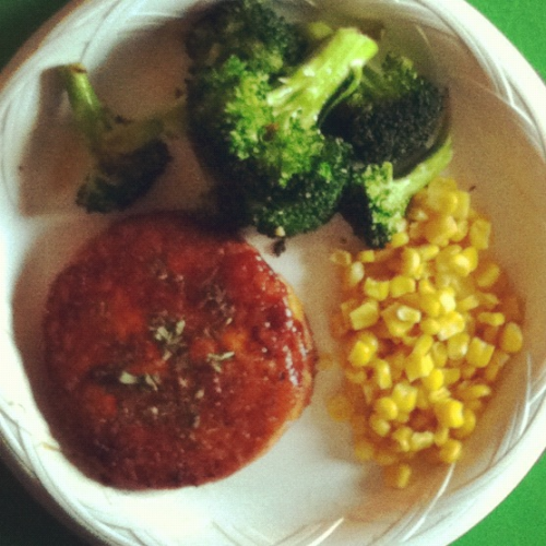 Tonight's Dinner: honey BBQ glazed salmon burger, sautéed broccoli, & corn -@IamTabithaW